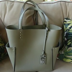 Simply Vera Handbag